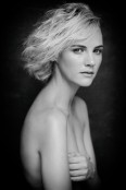 023Portfolio_Portraits_Caitlin_Frost_1