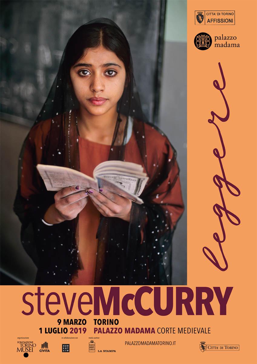 La mostra di McCurry Leggere a Torino