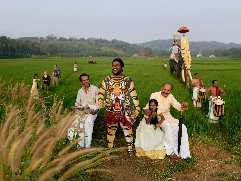 Processione in un campo in India